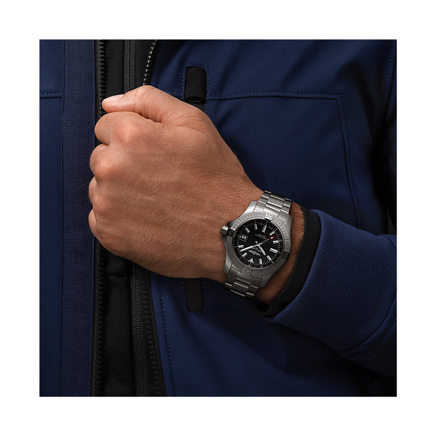 Breitling Herrenuhr Avenger A17318101B1A1
