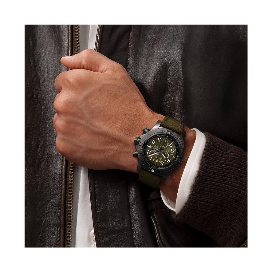 Breitling Herrenuhr Avenger Chronograph 45 V13317101L1X1