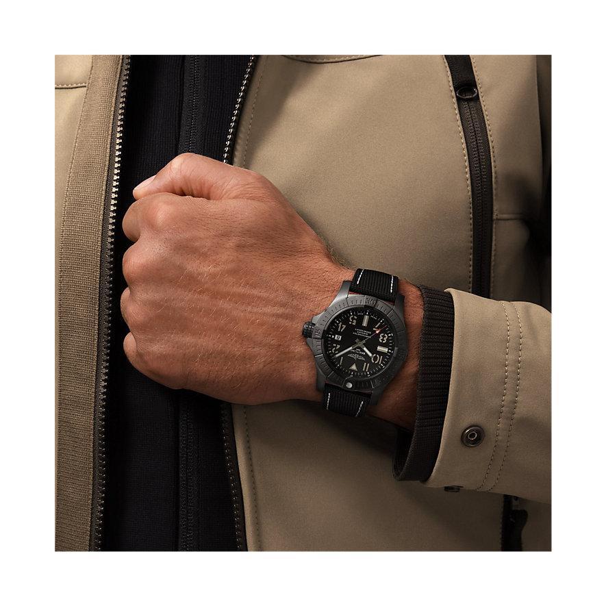 Breitling Herrenuhr Avenger V17319101B1X1